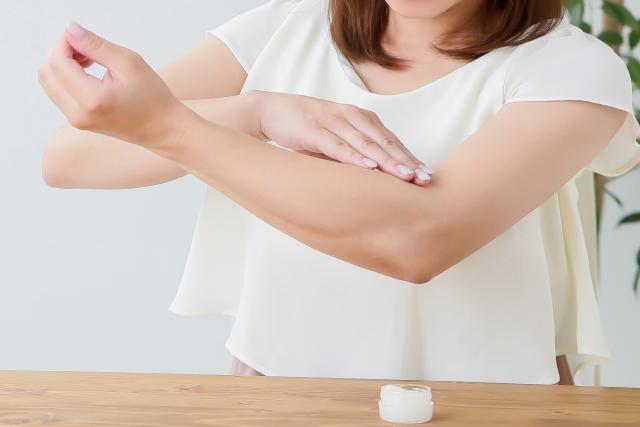 乾燥しやすい季節、肌の乾燥を防ぐために大切なこと
